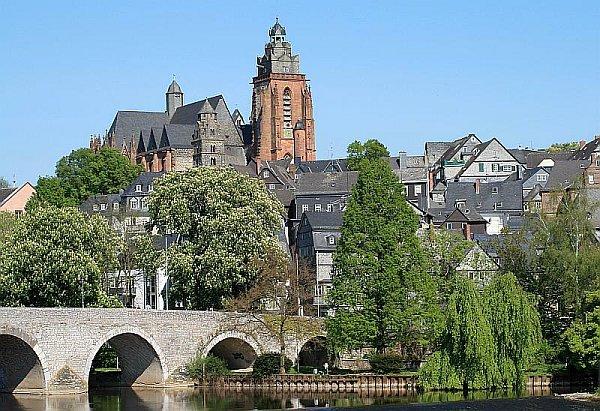 Wetzlar mit Lahnbrücke Altstadt und Dom